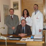 Janusz Skalski z zespołem kardiochirurgii dziecięcej (Zabrze, 2004)